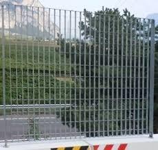 Moduli recinzione zincati bordati con Piantana Zincata